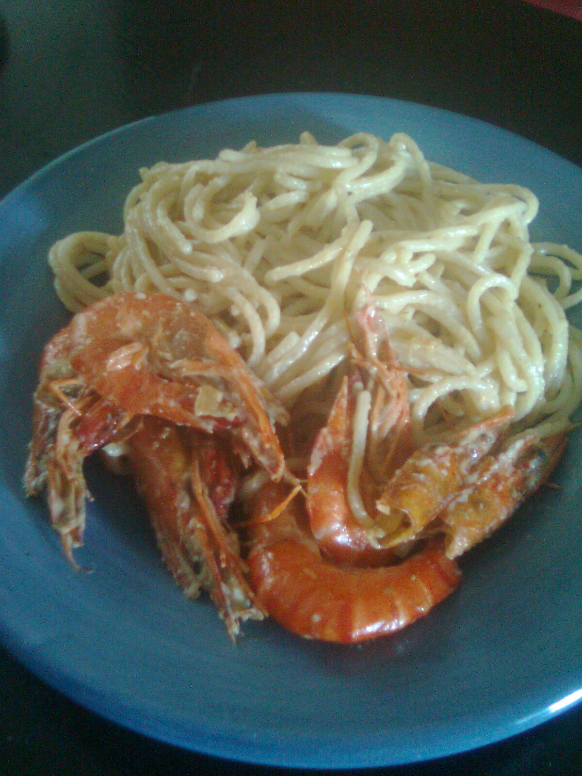 Spaghetti with shrimp and coconut milk